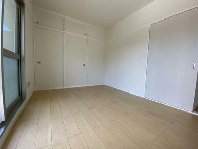 南側洋室(2)