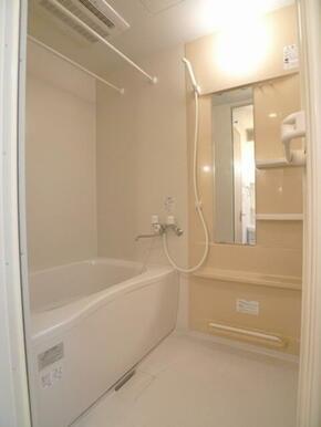 バスルーム☆浴室暖房乾燥機付です