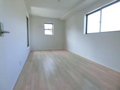 2階洋室8.2帖