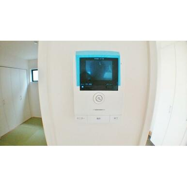 【設備】 録画機能付で安心のカラーモニターホン!