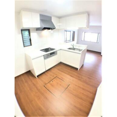 【キッチン】便利な床下収納庫付♪