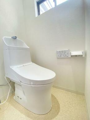新品に交換済みのトイレです