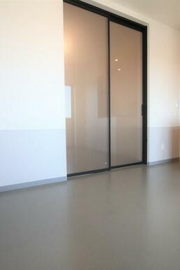 内装にこだわったお部屋☆シックなリビングです。