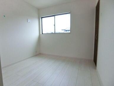 2階 北西側洋室5帖