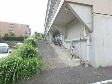 駐輪スペースあり(※バイク不可)
