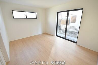 1階にある7.8帖の洋室です!子供部屋にも、寝室にも、客間にも使用可能!