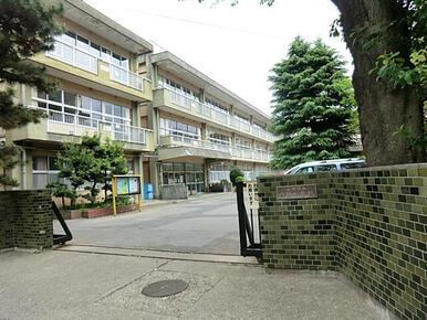 作新小学校