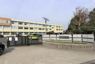 日進南小学校