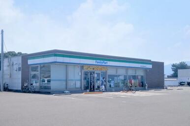 ファミリーマート 観音寺山田産業団地前店