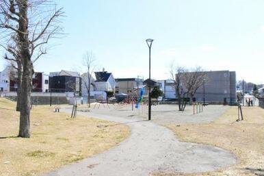 西岡さんかく公園