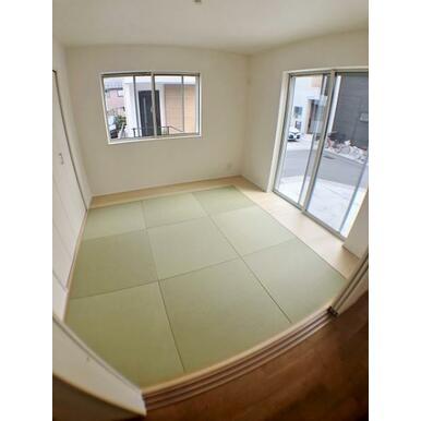 【8号棟洋和室】 お手入れしやすいインテリア畳を使用♪
