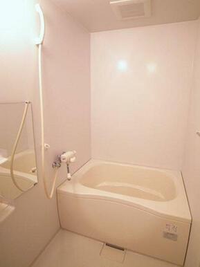 【浴室】サーモスタッド付き水洗の為、温度調整が簡単です♪