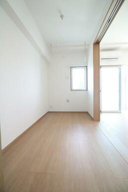 4.2帖の洋室は寝室として使用できます★