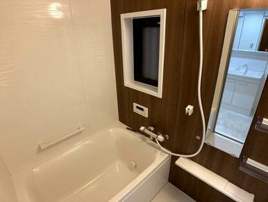 「浴室」ユニットバスへ新品交換していますので気持ちよく入浴できます。