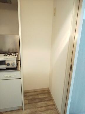 キッチン横・冷蔵庫スペース御座います