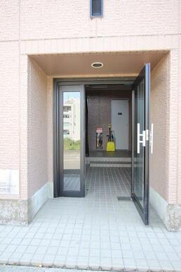 ★建物入り口★