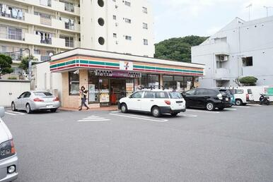 セブンイレブン横浜日吉本町3丁