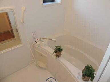お風呂にゆっくり浸かって日頃の疲れを癒しましょう
