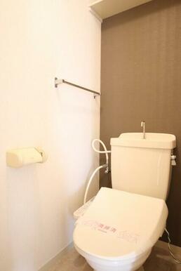 温水洗浄便座付きトイレ♪