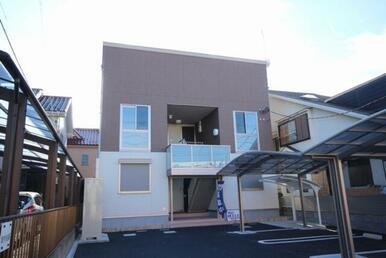 積水ハウス施工軽量鉄骨造2階建です☆地震がきても安心な構造になっています♪
