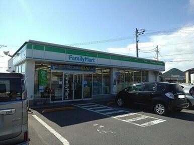 ファミリーマート坂出川津町店
