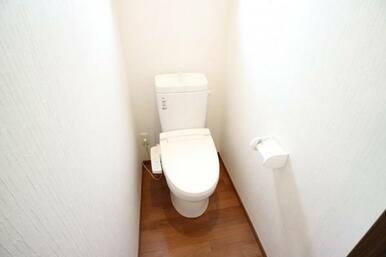 多機能搭載型の温水洗浄付きトイレを標準設置しています。