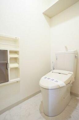◆暖房洗浄便座付きトイレ◆暖房洗浄便座付きなので、オールシーズン快適にご利用いただけます!タオル掛け