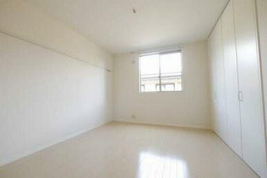 デッドスペースがなく、レイアウトしやすい間取り♪あなた好みのお部屋にしてください!