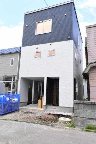 札幌市厚別区 厚別中央五条4丁目 (厚別駅) 3階建 4LDK