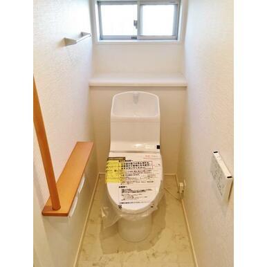 【トイレ】 各階それぞれにトイレがあります♪忙しい朝も安心!