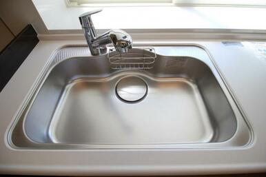 浄水器付きなので、ワンタッチでお手軽に綺麗なお水がすぐ飲めます