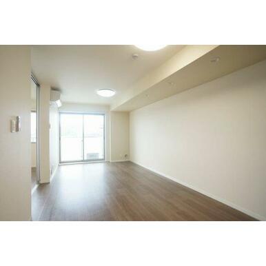 ◆LDK(14.5帖)◆エアコン付き、全部屋照明付きなので初期費用を抑えることができます!