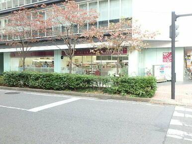 ナチュラルローソン新横浜二丁目店