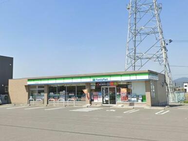 ファミリーマート応神町西吉成店