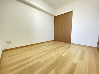 約5帖の東側洋室 別角度です。