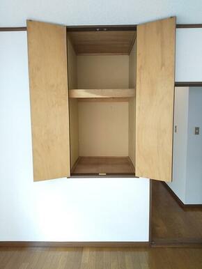 2階・4.5帖洋室に棚収納付き