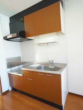 【キッチン】ご入居者様がお手持ちのコンロをご利用頂けます☆上下には収納スペースも確保しております♪