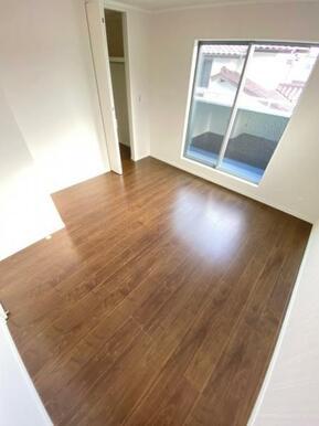 全てのお部屋に収納&窓を備え広さを問わず快適にお過ごし頂けます!