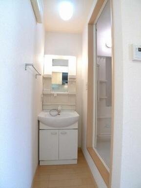同じ間取りの2Fのお部屋の参考写真です。