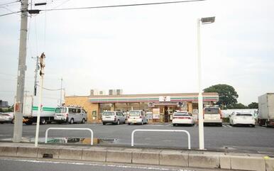 セブンイレブンまで徒歩7分(500m)☆