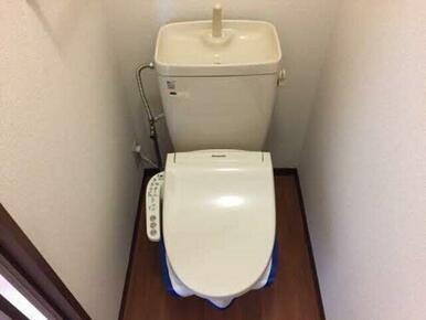温水洗浄便座設置しています