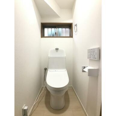 「1階トイレ」新品交換済みです。