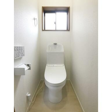 「2階トイレ」新品交換済みです。