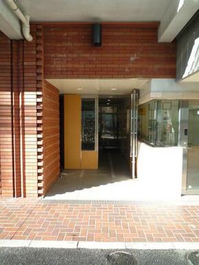 建物入口部分
