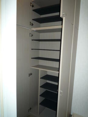 大きめの玄関靴箱