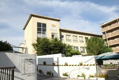 紫雲中学校