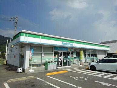 ファミリーマート坂出加茂町店