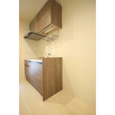 ◆キッチン(4.7帖)◆上下セパレートタイプの収納付きで、食器や調理器具がたくさん収納できそうですね