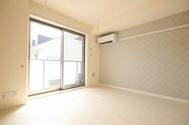 ◆洋室◆エアコン+室内物干し設置☆バルコニー設置しています!
