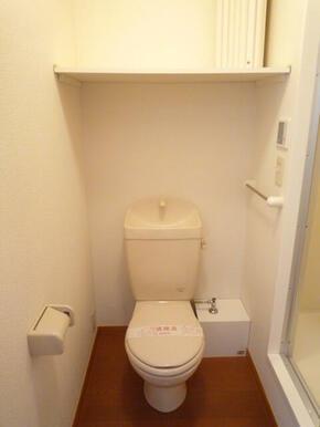 トイレ(上部棚有り)
